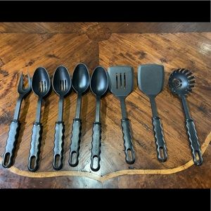 8 Piece Black Farberware Cooking Utensils